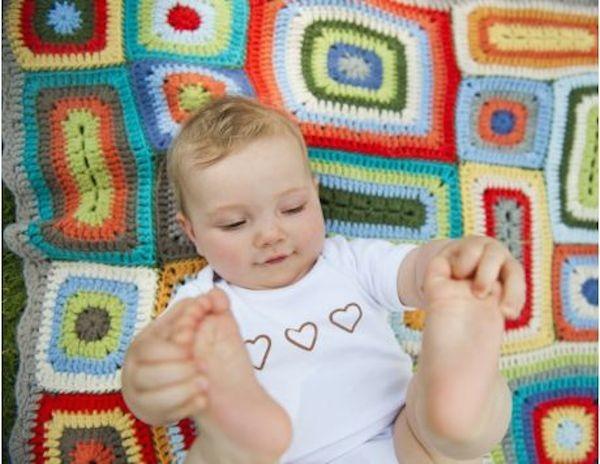 Weegoamigo Crochet Baby Blanket Rupert with baby